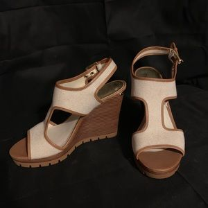 Like new. Michael Kors sandals. Size 8.5